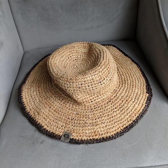 f6aa574da3686 Mountain Hardwear raffia straw hat. M 5b2827efdf03075c55959ff0